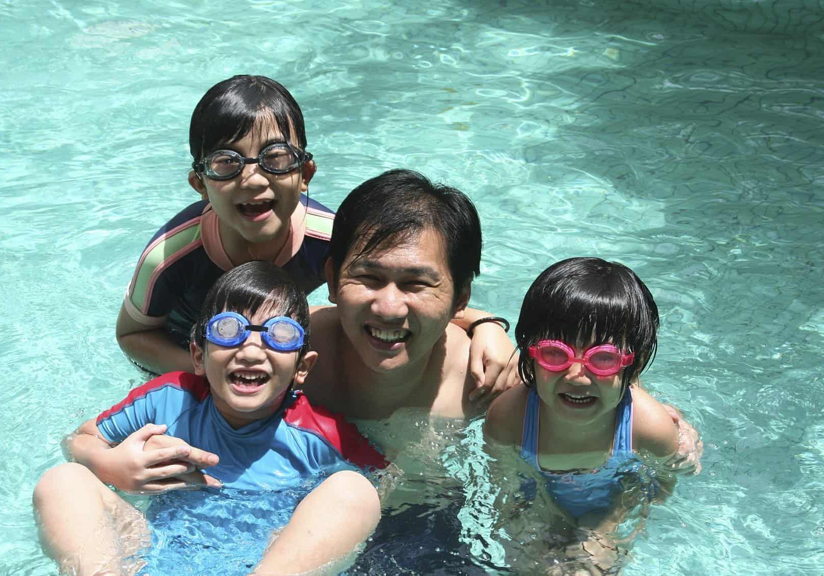 Family swimming_Medium-min
